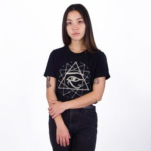 NWT 12-Point Star Neoclassics Style T-Shirt